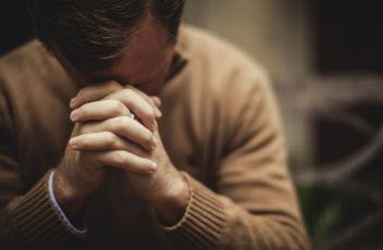 do-i-have-to-close-my-eyes-when-i-pray